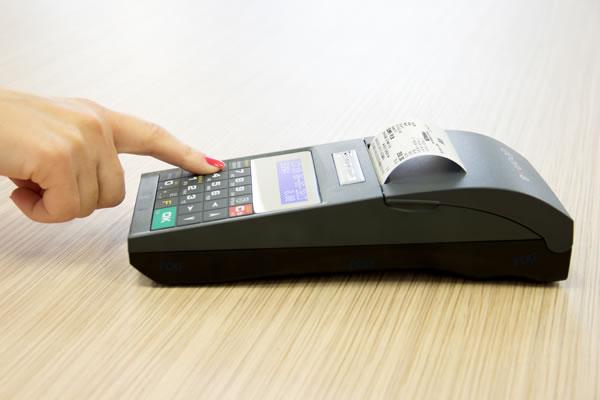Drukarka fiskalna Novitus Deon E - Pierwsza drukarka z pełną, precyzyjną klawiaturą alfanumeryczną